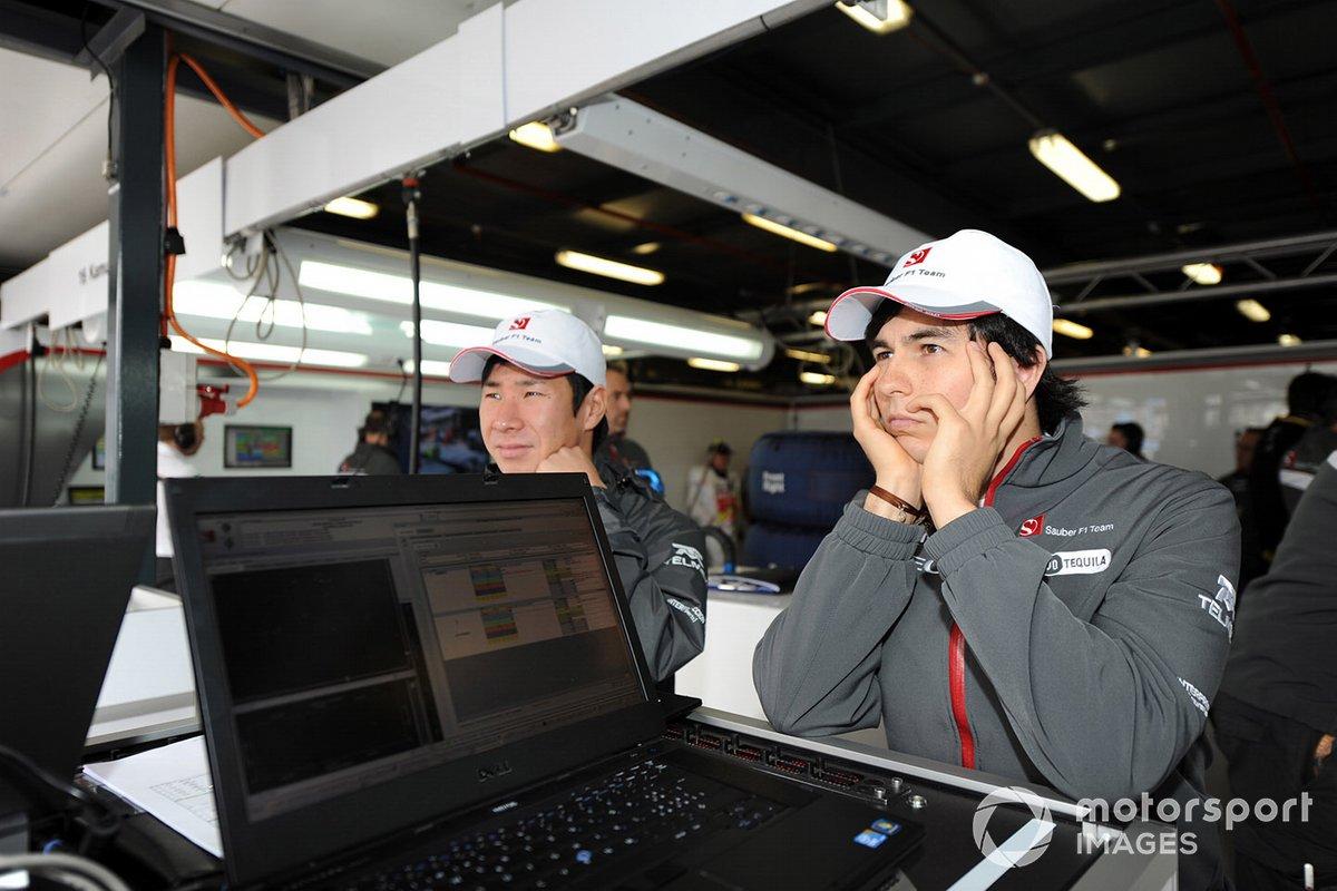 Compañeros de equipo Kamui Kobayashi y Sergio Pérez, Sauber C30 Ferrari