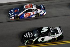 Kyle Larson, Hendrick Motorsports, Chevrolet Camaro NationsGuard Daniel Suarez, TrackHouse Racing, Chevrolet Camaro iFly