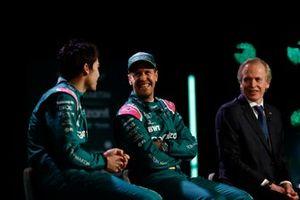Lance Stroll, Aston Martin, Sebastian Vettel, Aston Martin, en Andrew Green, Technical Director, Aston Martin F1