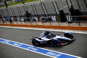 Robin Frijns, Envision Virgin Racing, Audi e-tron FE07, in the pits