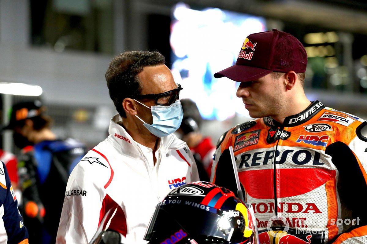 Alberto Puig, director del equipo Repsol Honda, Stefan Bradl, equipo Repsol Honda