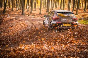 Ola Nore Jr., Veronica Engan, Renault Clio Rally5