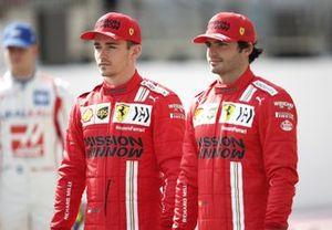 Charles Leclerc, Ferrari and Carlos Sainz Jr., Ferrari on the grid