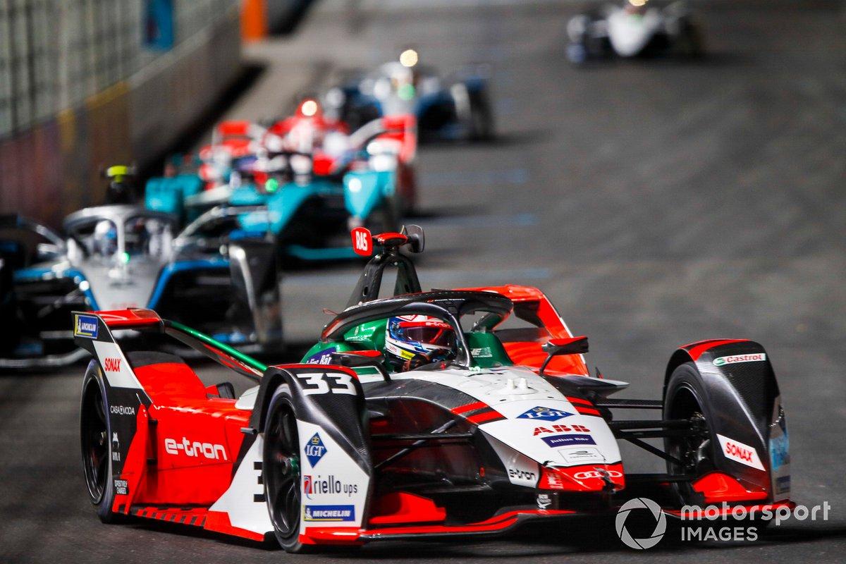 Rene Rast, Audi Sport ABT Schaeffler, Audi e-tron FE07, leads Nyck de Vries, Mercedes Benz EQ, EQ Silver Arrow 02