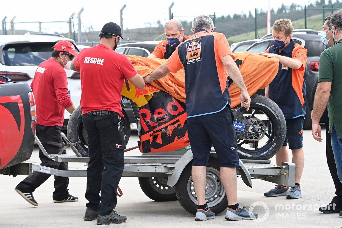 La moto de Miguel Oliveira, Red Bull KTM Factory Racing tras el accidente