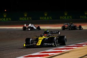Esteban Ocon, Renault F1 Team R.S.20, Valtteri Bottas, Mercedes F1 W11