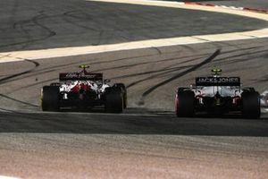 Antonio Giovinazzi, Alfa Romeo Racing C39, Kevin Magnussen, Haas VF-20