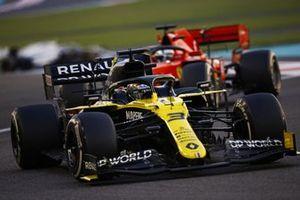 Daniel Ricciardo, Renault F1 Team R.S.20, Sebastian Vettel, Ferrari SF1000