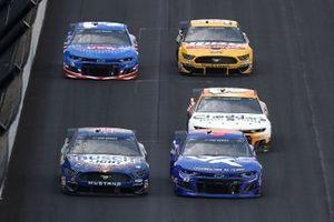 Darrell Wallace Jr., Richard Petty Motorsports, Chevrolet Camaro, Kevin Harvick, Stewart-Haas Racing, Ford Mustang
