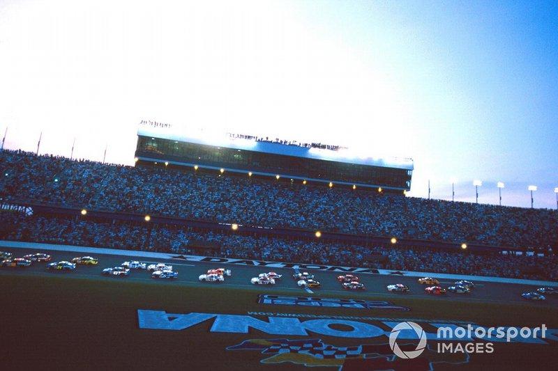 3) Гонка NASCAR Pepsi 400 1998 года