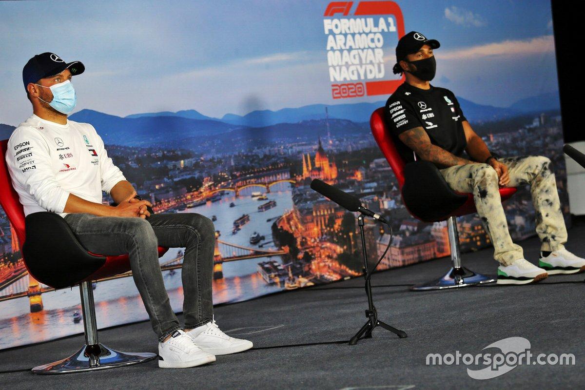 Valtteri Bottas, Mercedes-AMG Petronas F1 e Lewis Hamilton, Mercedes-AMG Petronas F1 in conferenza stampa