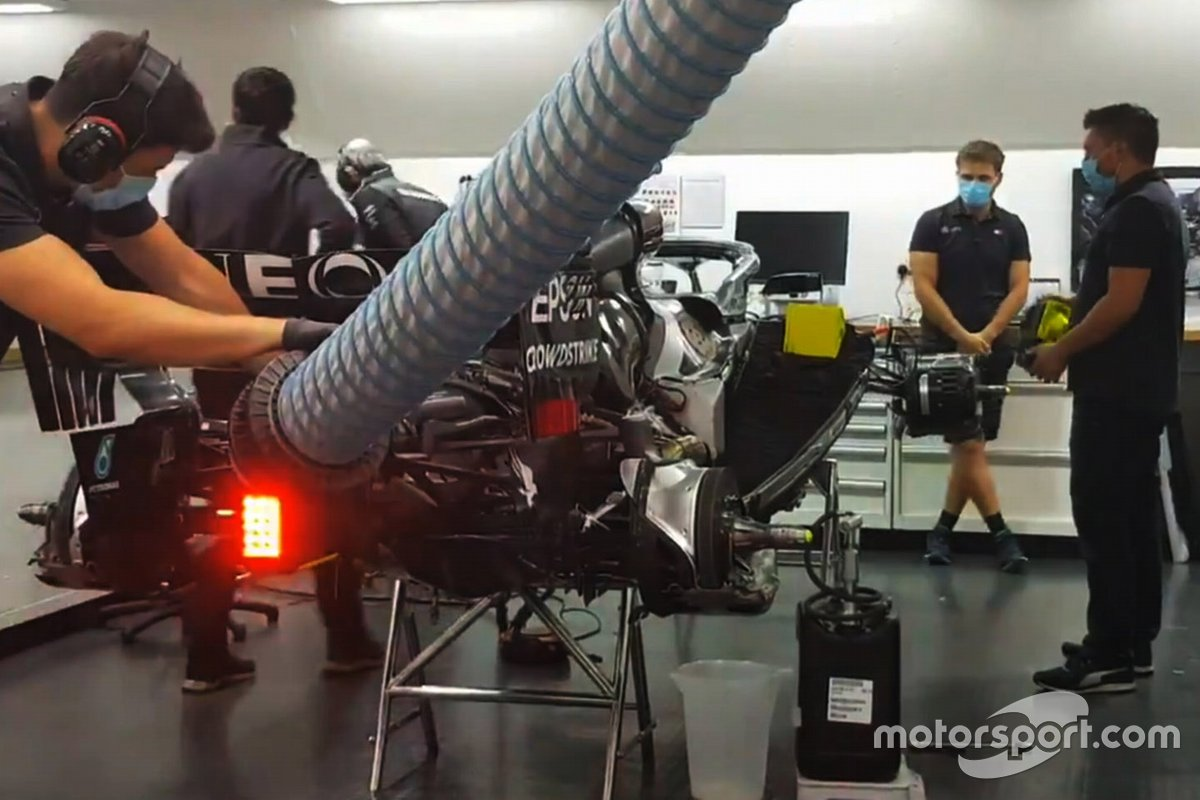 Mercedes engine fires up