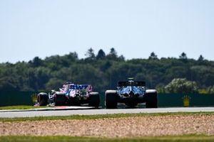 Nico Hulkenberg, Racing Point RP20, Valtteri Bottas, Mercedes F1 W11