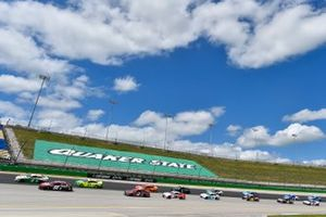 Alex Bowman, Hendrick Motorsports, Chevrolet Camaro Cincinnati, Kevin Harvick, Stewart-Haas Racing, Ford Mustang Hunt Brothers Pizza