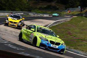 #666 (BMW M240i Racing Cup: Marcel Marchewicz, Tim Neuser