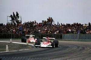 Mario Andretti, Parnelli VPJ4, Jochen Mass, McLaren M23