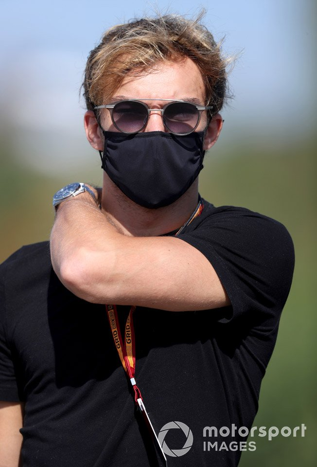 Pierre Gasly, AlphaTauri arrives at the track