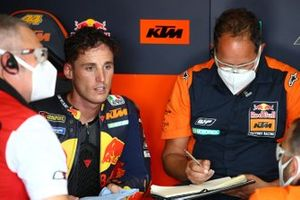 Pol Espargaro, Red Bull KTM Factory Racing, mit Paul Trevathan