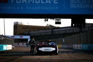 Safety car driver Bruno Correa with the BMW i8 Safety car