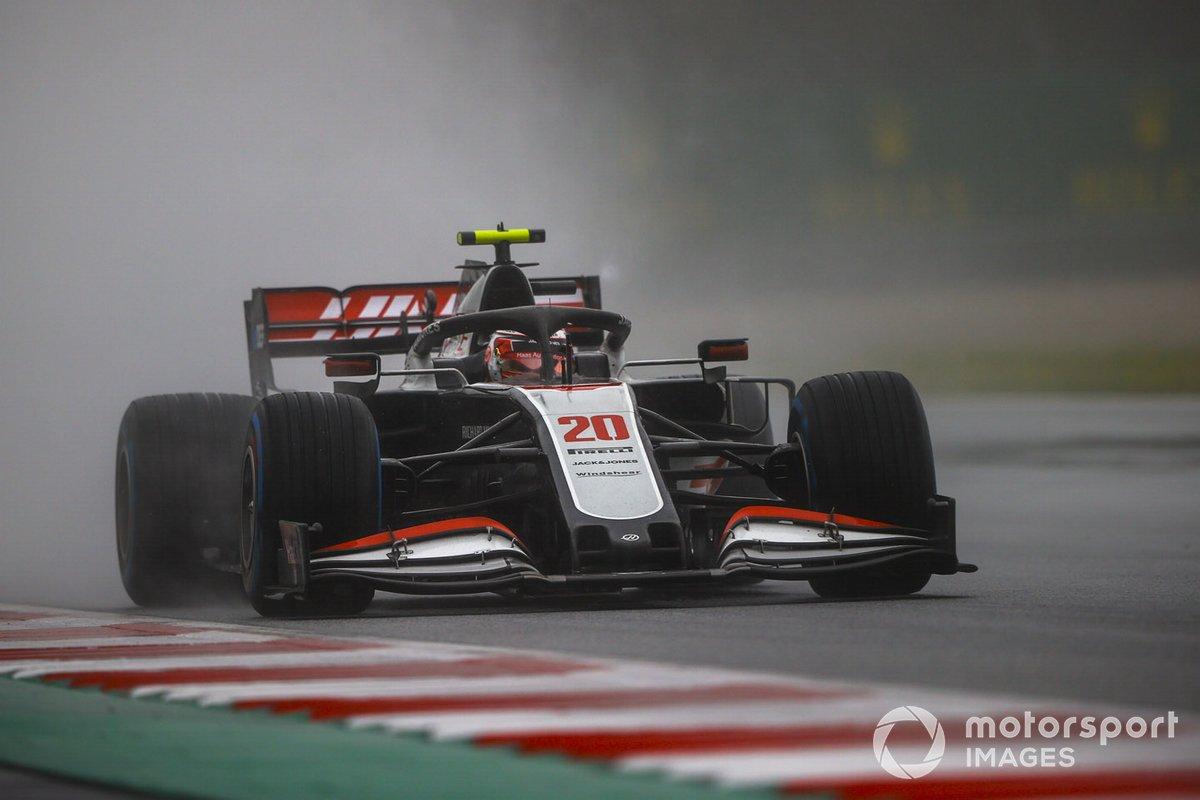 15 - Kevin Magnussen, Haas VF-20