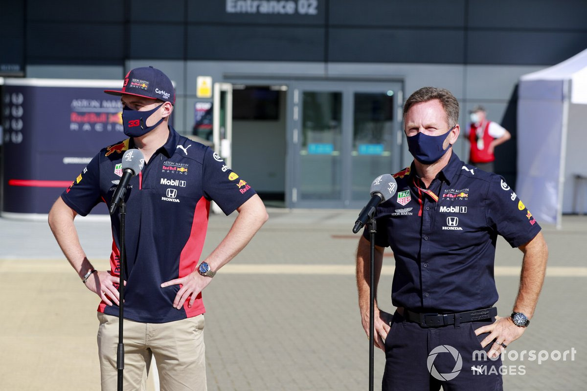 Max Verstappen, Red Bull Racing e Christian Horner, Team Principal, Red Bull Racing parla con i media
