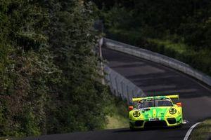 #911 Manthey-Racing Porsche 911 GT R: Julien Andlauer, Matt Campbell, Lars Kern