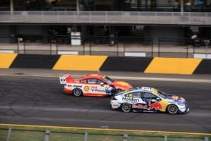 Jamie Whincup, Triple Eight Race Engineering Holden, Scott McLaughlin, DJR Team Penske Ford at the start