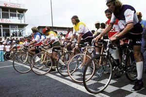 Fahrradrennen mit Formel-1-Piloten in Interlagos