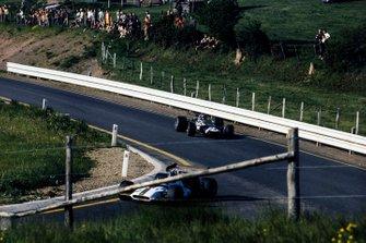 Pedro Rodriguez, BRM P153, Graham Hill, Lotus 49C Ford