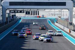 السباق الأول لجولة أبوظبي في تي سي آر الشرق الأوسط