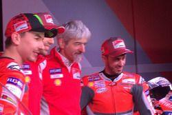 Jorge Lorenzo, Ducati Team, Michele Pirro, tester Ducati, Luigi dall'Igna e Andrea Dovizioso, Ducati