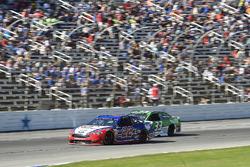 Joey Logano, Team Penske Ford, Jeffrey Earnhardt, Circle Sport – The Motorsports Group Chevrolet
