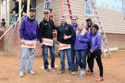 Partnership Joey Logano Foundation e Habitat for Humanity