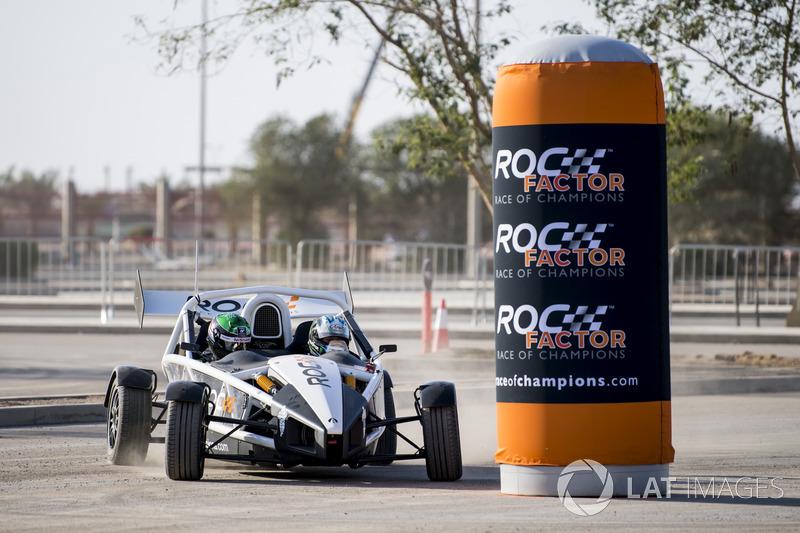 Terry Grant in de Ariel Atom Cup met Ahmed Bin Khanen voor de ROC Factor Saudi Arabia