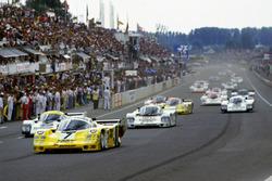 #7 Joest Racing Porsche 956: Klaus Ludwig, Paolo Barilla, John Winter lideran en la salida