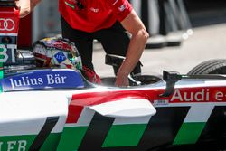 Daniel Abt, Audi Sport ABT Schaeffler pulls back into the pits