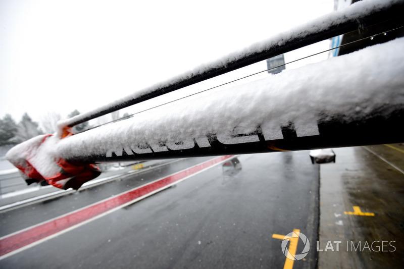 Pit box de McLaren