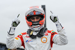 Race winner Kush Maini, Lanan Racing