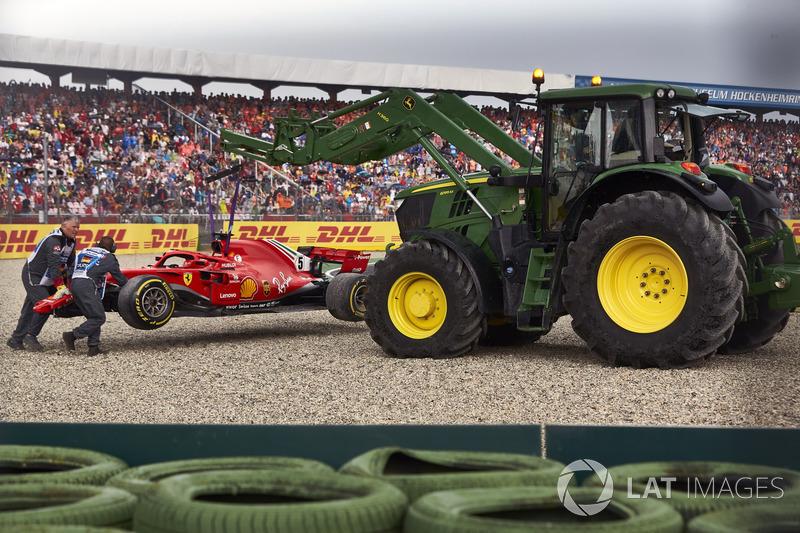 GP de Alemania: Vettel falla bajo la lluvia