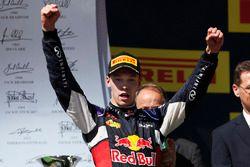 Daniil Kvyat, Red Bull Racing, segundo lugar