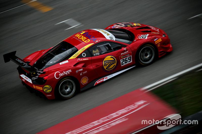 #269 Naza Italia Malaysia Ferrari 488: Zen Low