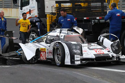 El accidentado Porsche 919 Hybrid de Mark Webber