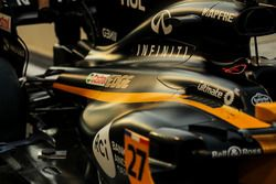 Автомобиль Renault Sport F1 Team RS17 Нико Хюлькенберга