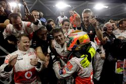 Race winner Lewis Hamilton, McLaren MP4-26 celebrate