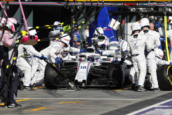 Lance Stroll, Williams FW41 Mercedes, au stand