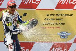 Podio: ganador de la carrera Valentino Rossi, Repsol Honda Team