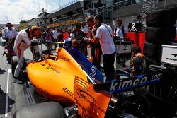 Stoffel Vandoorne, McLaren MCL33, op de grid