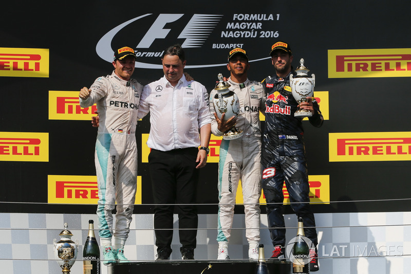 2016 Podium: second place Nico Rosberg, Mercedes AMG F1, Ron Meadows, Mercedes AMG F1 Team Manager, race winner Lewis Hamilton, Mercedes AMG F1, third place Daniel Ricciardo, Red Bull Racing