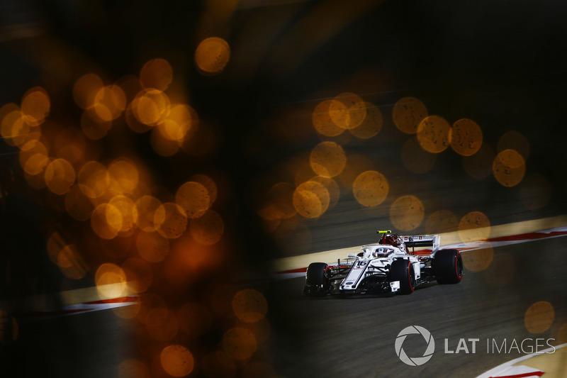 19: Charles Leclerc, Sauber C37 Ferrari, 1'31.420