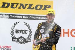 Podio: ganador de la carrera Jack Goff, Eurotech Racing Honda Civic
